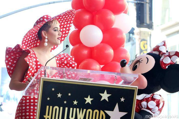 Фото: Кэти Перри и Хайди Клум на церемонии открытия звезды Минни Маус на Аллее славы