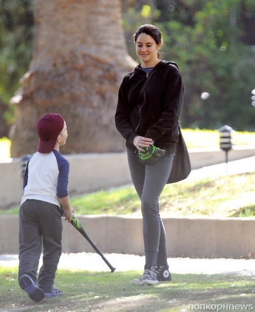 Шейлин Вудли на съемках сериала «Маленькая ложь по-крупному»
