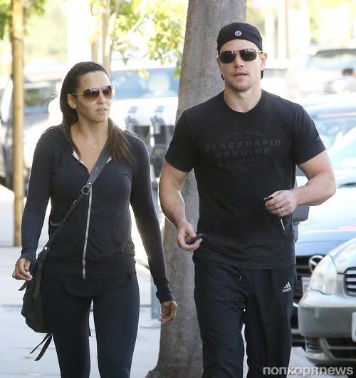 Мэтт Дэймон с женой возвращаются из спортзала