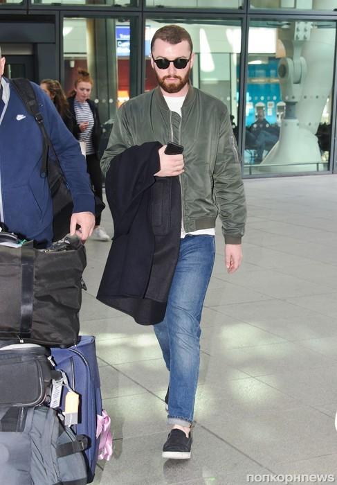 Сэм Смит прилетел в Лондон