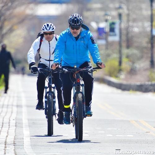 Рассел Кроу отправился на велопрогулку