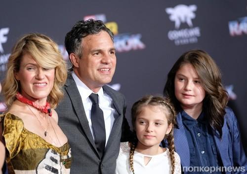 Марк Руффало с семьей