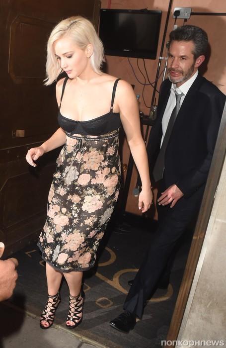 Дженнифер Лоуренс покидает вечеринку по случаю премьеры фильма «Люди Икс: Апокалипсис»