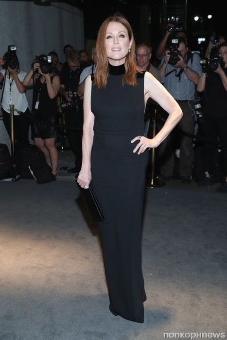 Джулианна Мур на Неделе моды в Нью-Йорке