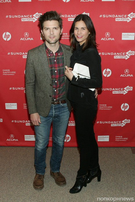 Адам Скотт с женой Наоми