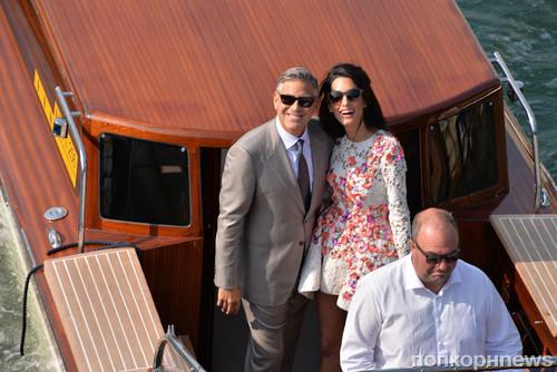 Амаль Аламуддин и Джорд Клуни на следующий день после свадьбы