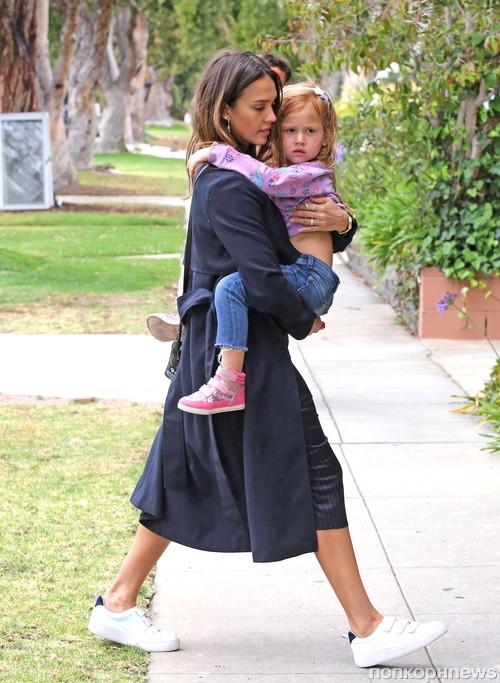 Джессика Альба с дочерью Хэвен в Санта-Монике