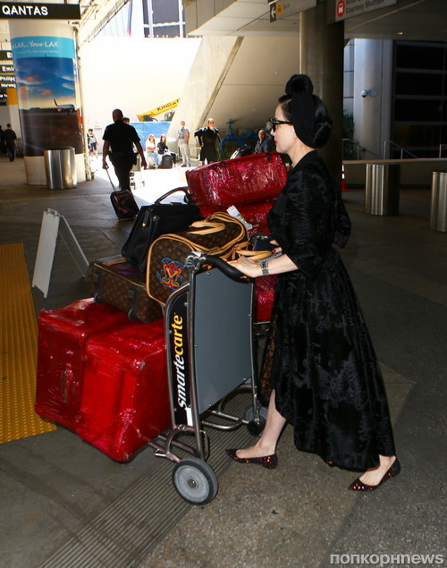 Дита фон Тиз прилетела в Лос-Анджелес