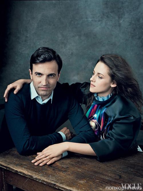 Креативный директор Balenciaga Николя Гескьер и Кристен Стюарт