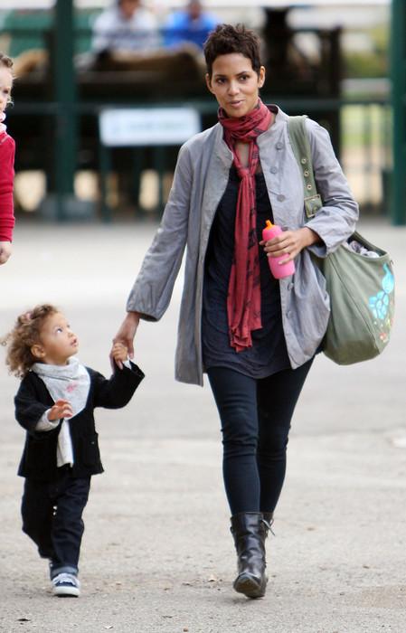 Халли Берри с дочкой Налой