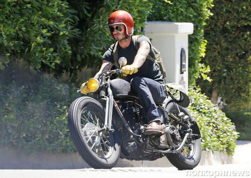 Дэвид Бекхэм гоняет на своем байке по Лос-Анджелесу