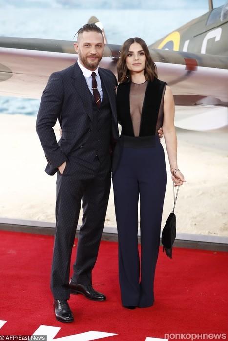 Том Харди с супругой