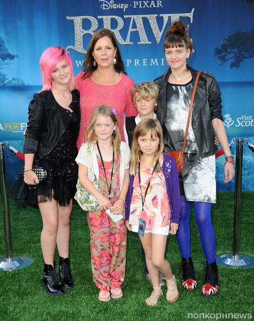 Марша Гэй Харден с семьей