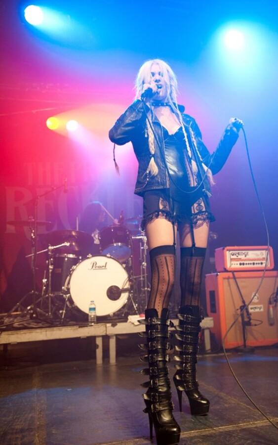 Тэйлор Момсен на концерте в Берлине