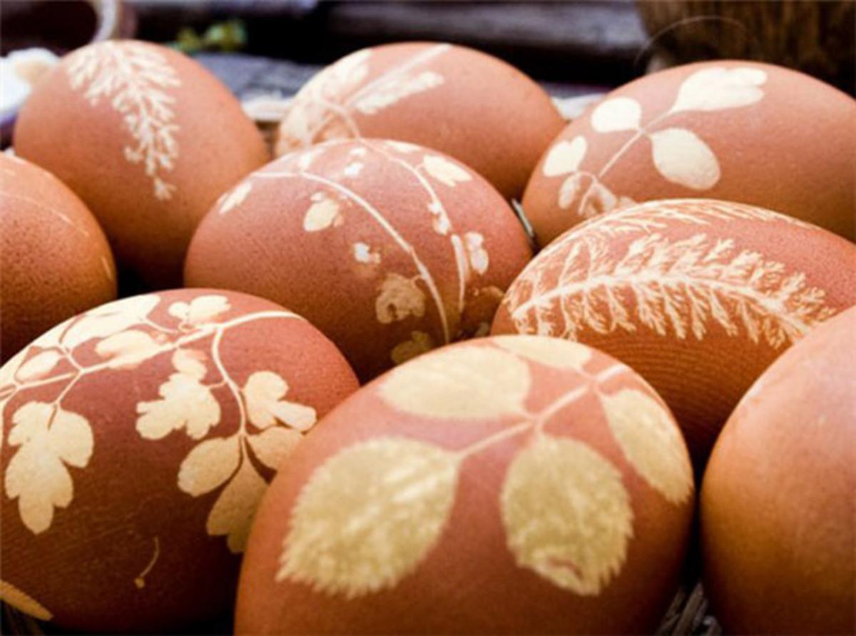 Фото: 15 способов оригинально украсить яйца к Пасхе своими руками