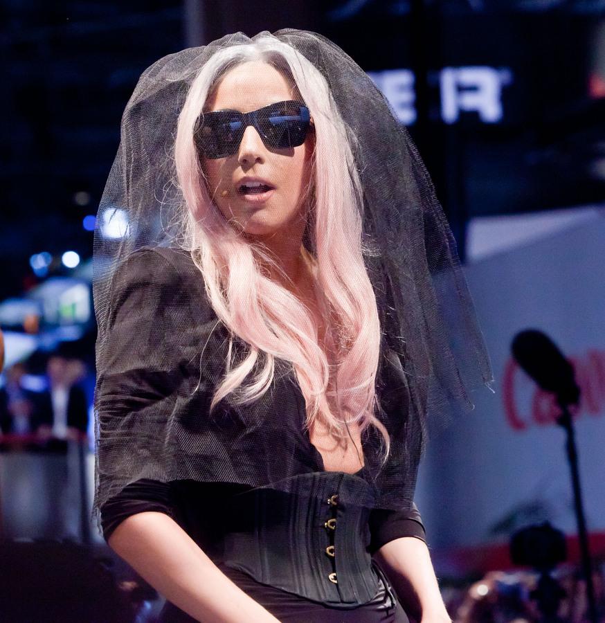 Lady GaGa: первый сексуальный опыт был ужасен