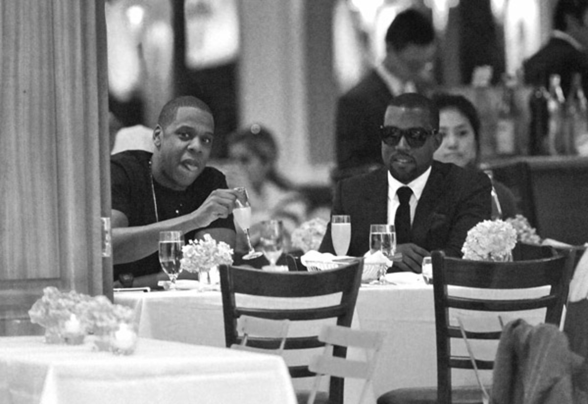 Кани Вест и Jay-Z: дружеский ужин в ресторане