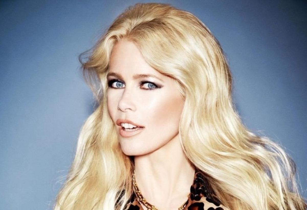 Возвращение легенды: Клаудия Шиффер в новой фотосессии для Elle