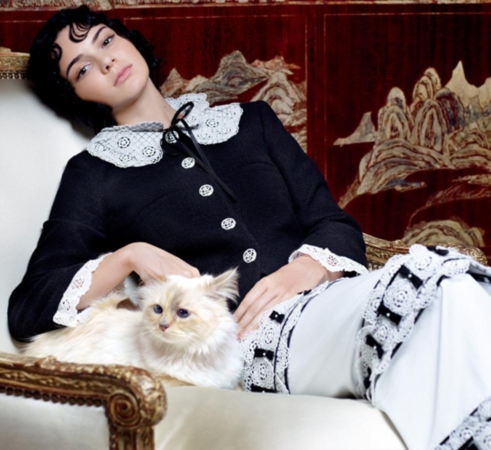 Кендалл Дженнер и кошка Шупетт в объективе Карла Лагерфельда