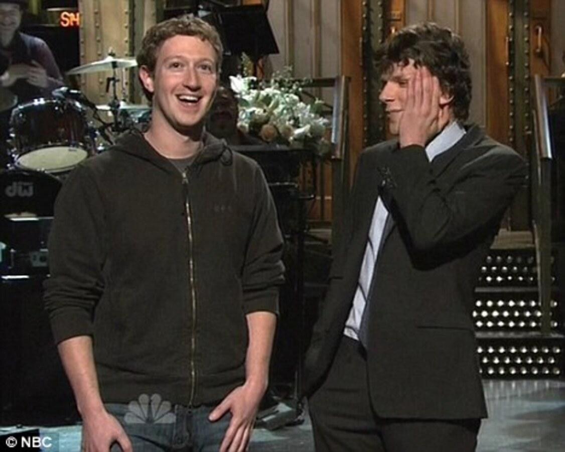 Создатели шоу Saturday Night Live разыграли Джесси Айзенберга