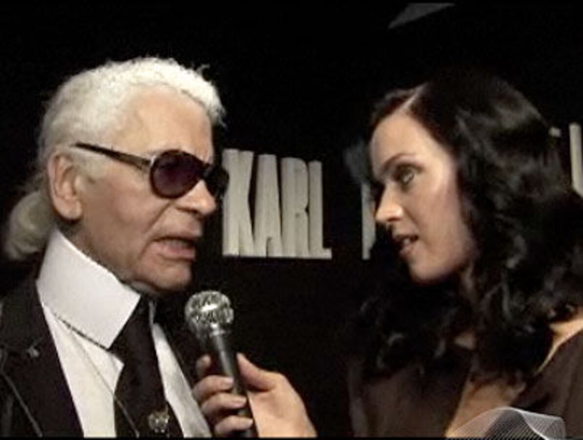 Кэти Перри берет интервью у Карла Лагерфельда