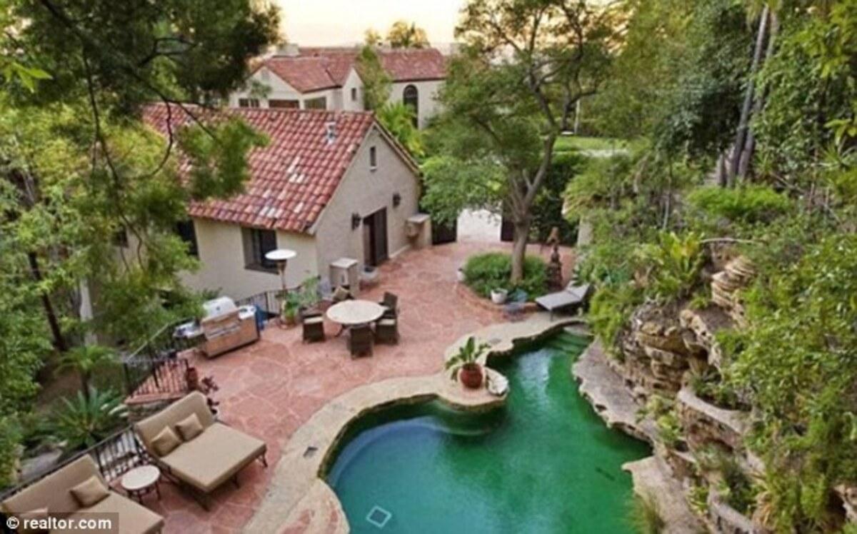 Кэти Перри купила дом на Голливудских холмах за 6,5 миллионов долларов