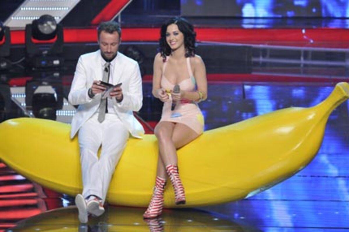 Видео: Кэти Перри на итальянском шоу