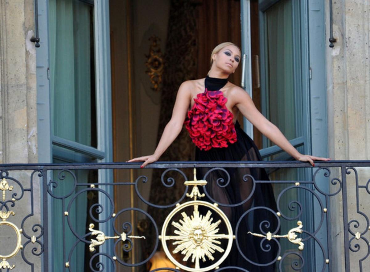 Стильные выходные Бейонсе в Париже