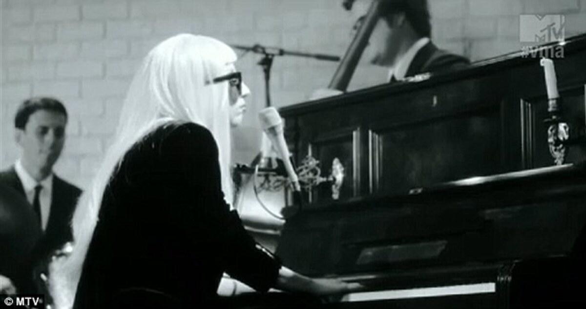 Промо-видео с участием Lady GaGa для церемонии VMA