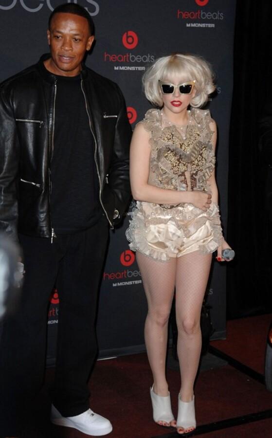 Lady GaGa выпустила свои наушники