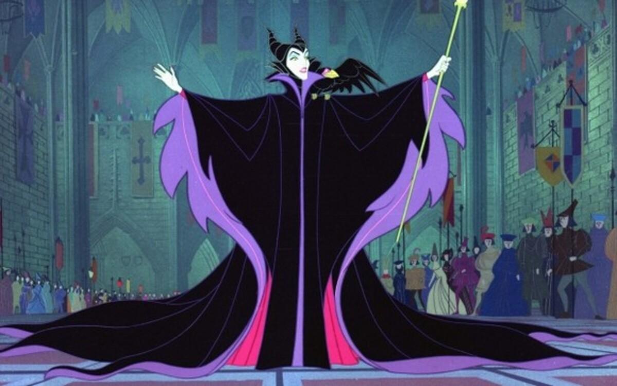 Гильермо дель Торо расскажет историю злой колдуньи?
