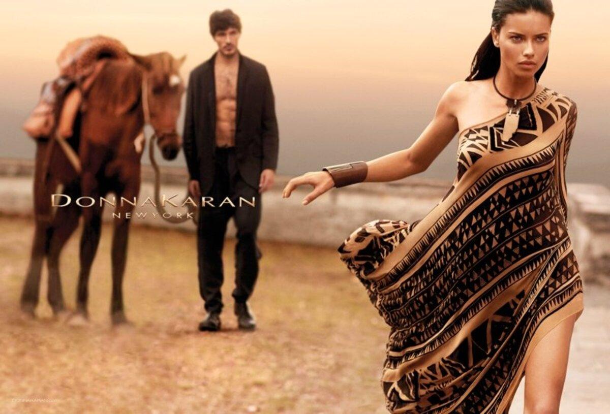 Адриана Лима в рекламной кампании Donna Karan весна / лето 2014