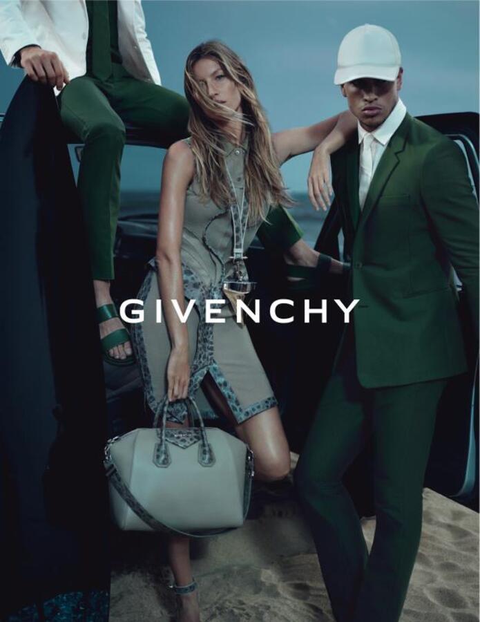 Рекламная  кампания Givenchy с Жизель Бундхен. Весна 2012