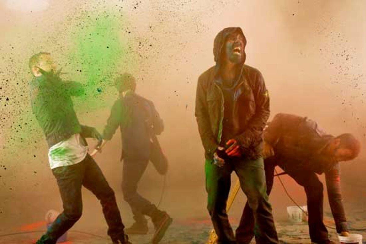 Кадры из нового клипа Linkin Park - The Catalyst