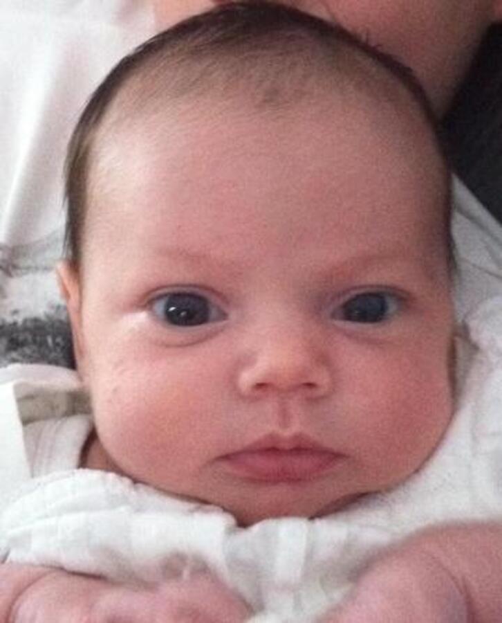 Виктория Бэкхем разместила в Твиттере фото своей племянницы