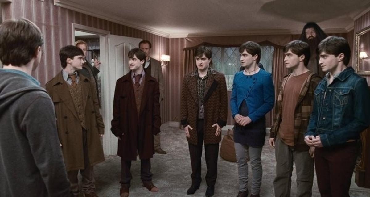 """Два отрывка """"Гарри Поттер и Дары смерти: Часть первая"""""""