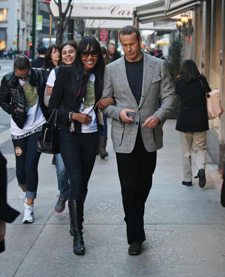Наоми Кэмпбелл с друзьями и Владиславом Доронином в Нью-Йорке