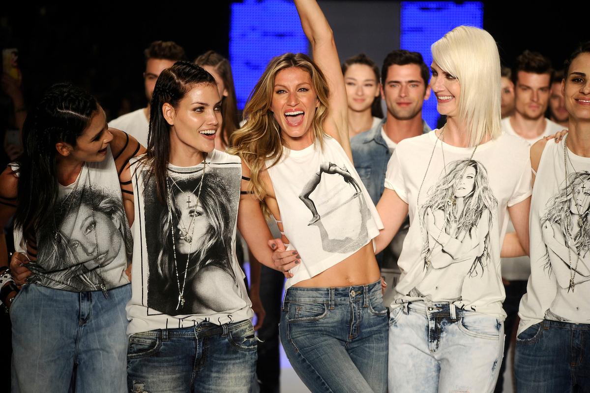 Модный показ Colcci в Бразилии: последнее дефиле Жизель Бундхен