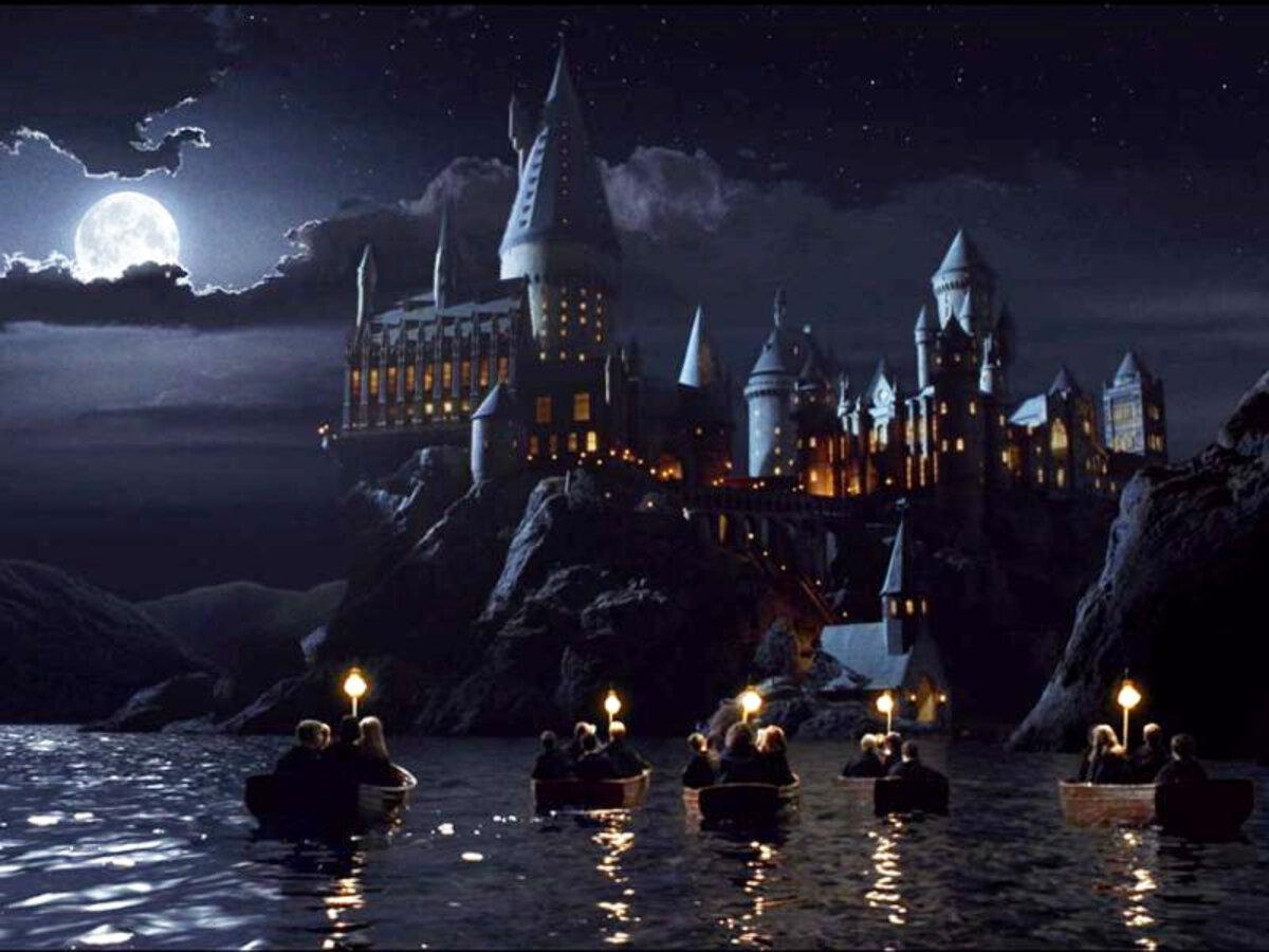 Замок Хогвартс уничтожен пожаром