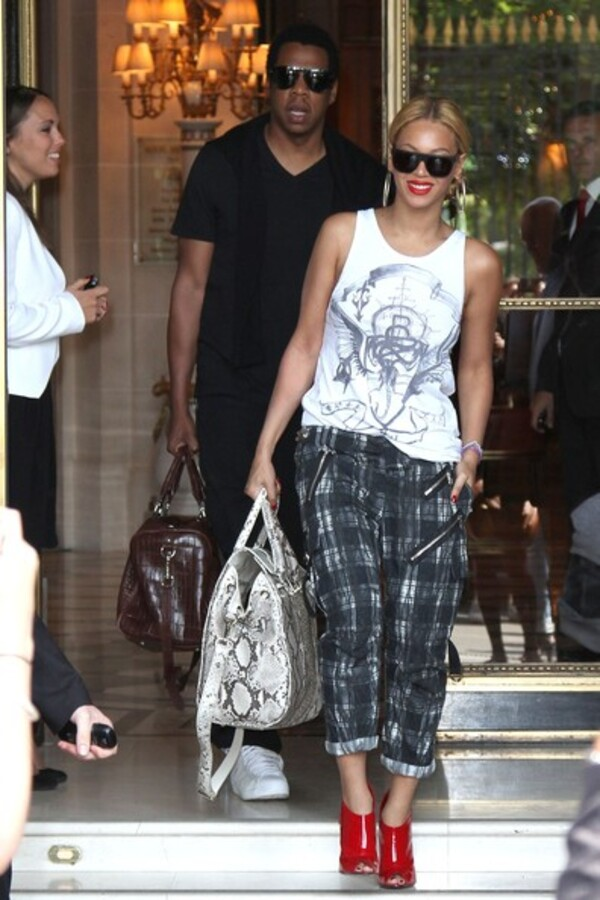 Бейонсе и Jay-Z покидают Францию