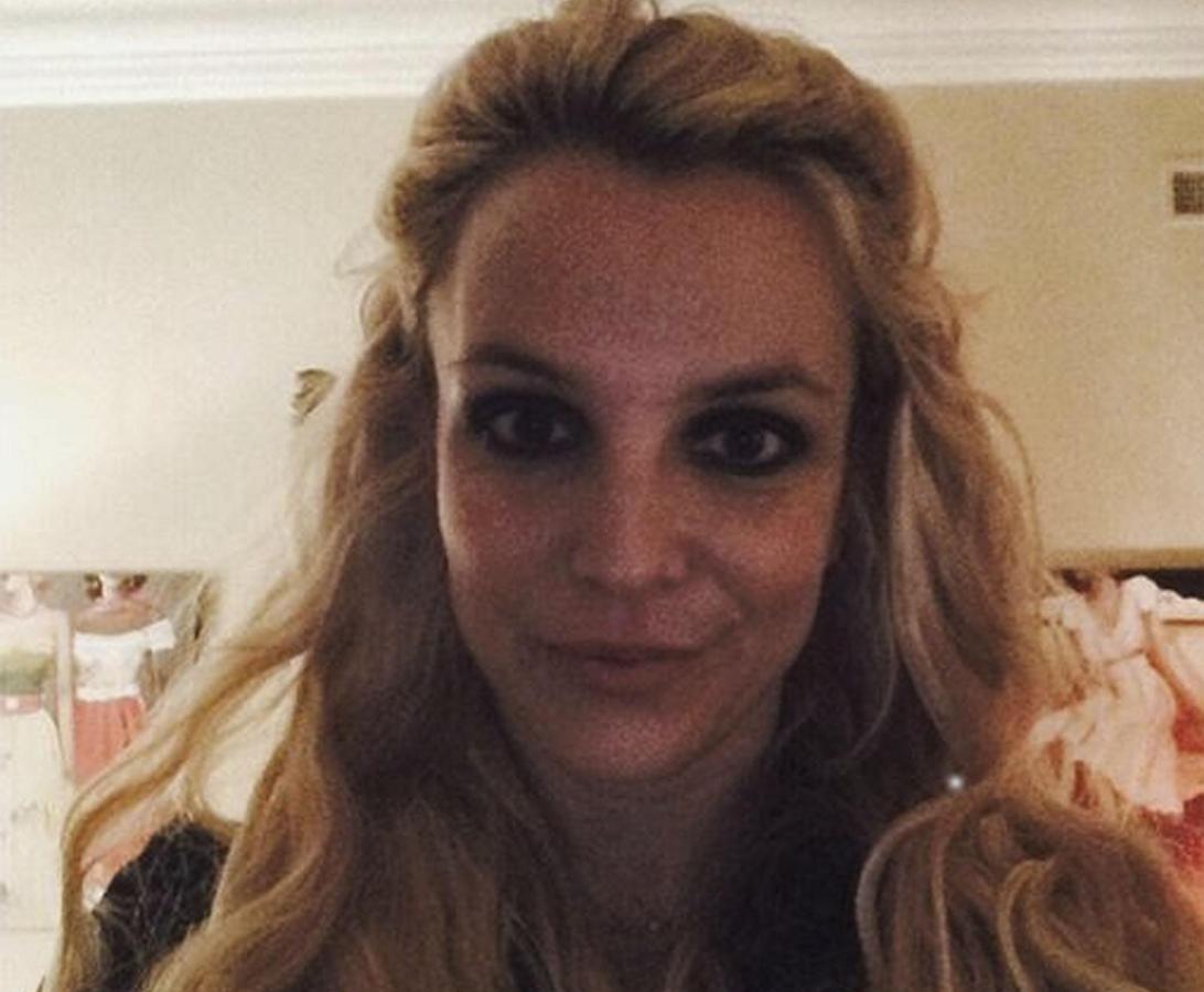 Бритни Спирс выложила в Сеть несколько пикантных тизеров
