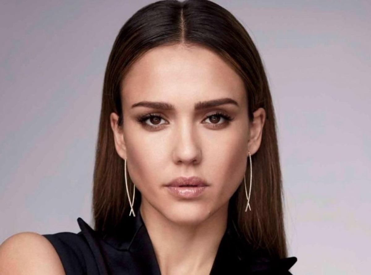 Джессика Альба в фотосете для Harper's Bazaar Mexico