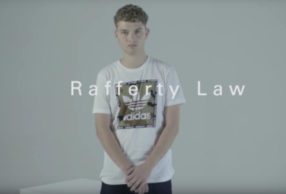 Сын Джуда Лоу рассказал о своих знаменитых родителях в рекламном ролике Adidas Originals