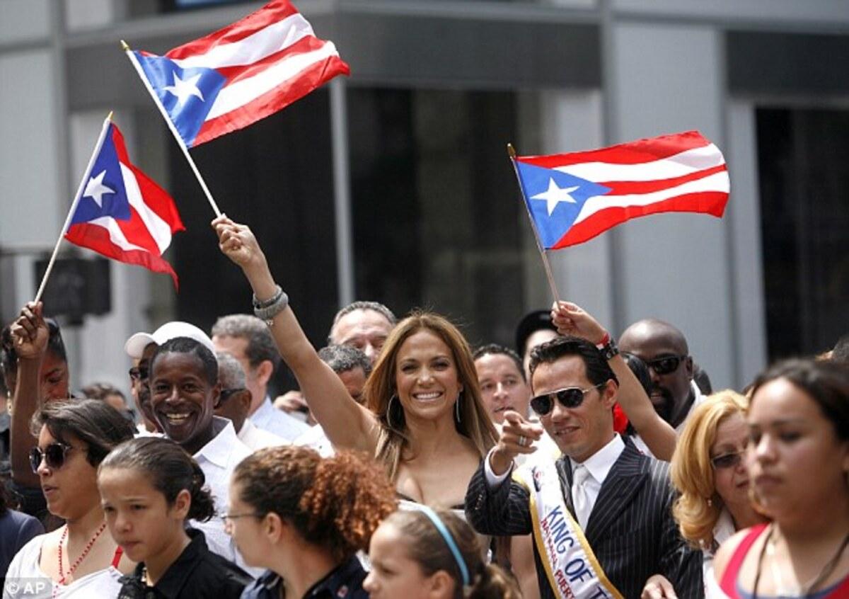 Дженнифер Лопес и Марк Энтони на параде в Пуэрто - Рико