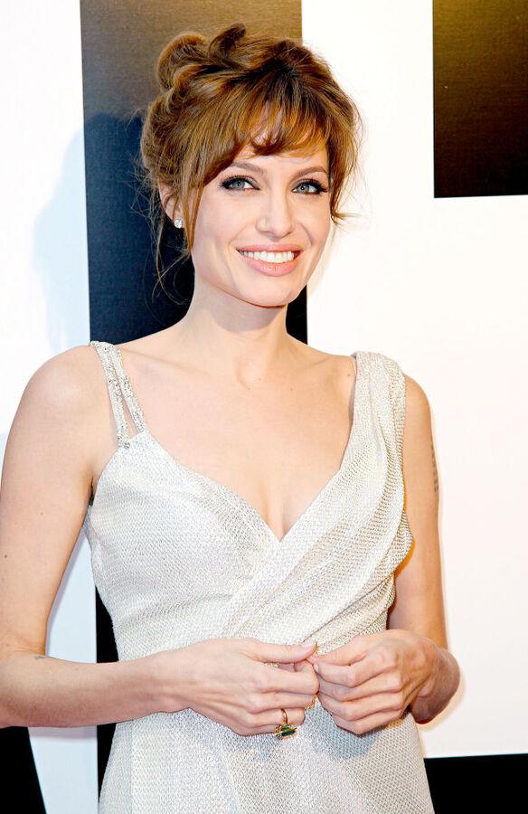 Анджелина Джоли опровергла слух о роли Мэрилин Монро