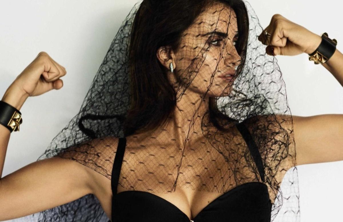 Пенелопа Крус украсила обложку декабрьского Vogue Spain