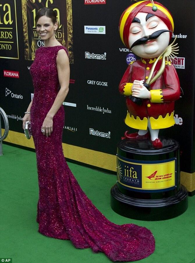 Хилари Суонк на церемонии International Indian Film Academy Awards