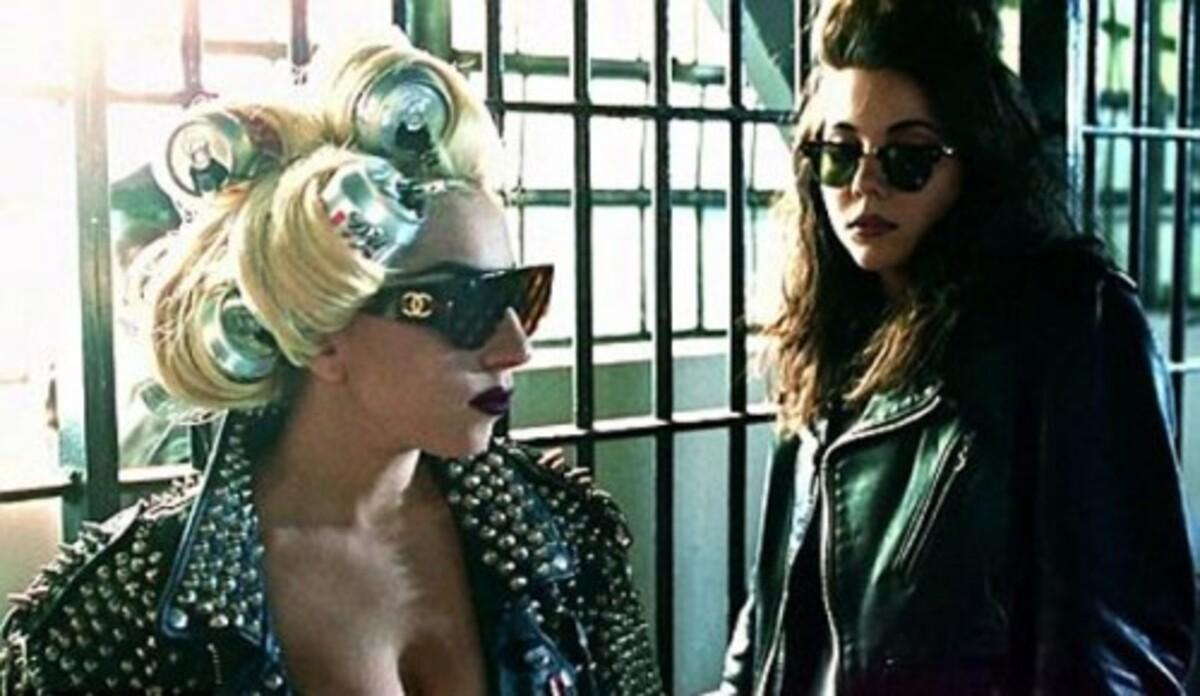 Lady Gaga не разговаривает с родителями из-за младшей сестры