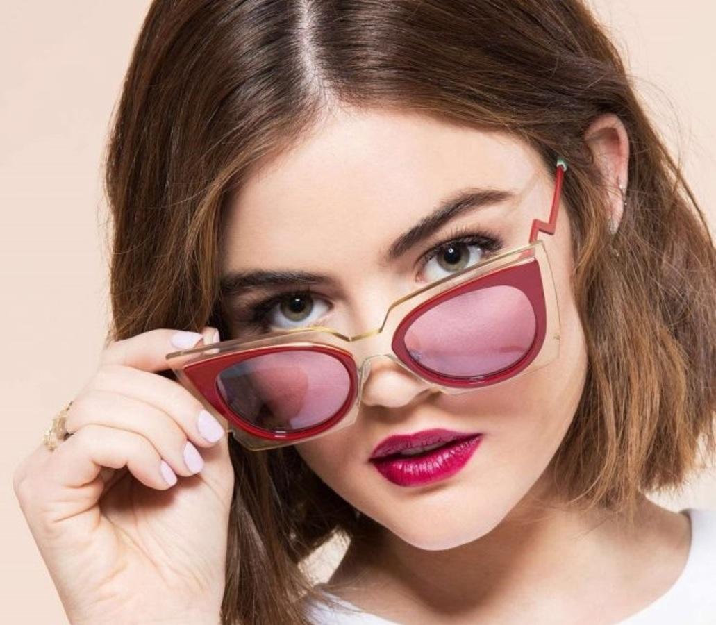 Звезда «Милых обманщиц» Люси Хейл в фотосессии для Cosmopolitan