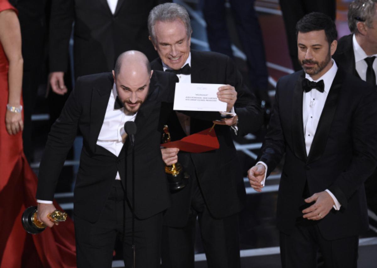 Киноакадемия США принесла официальные извинения за путаницу на «Оскаре» 2017